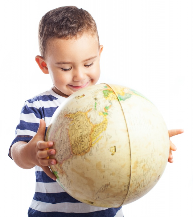 child-smiling-with-a-globe_1187-2637.jpg