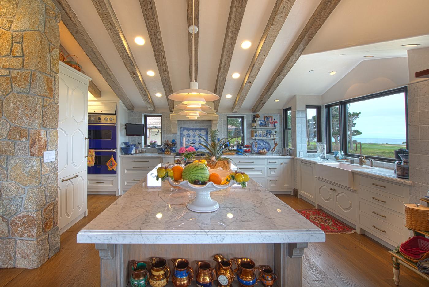 Posey Residence - 5 Kitchen.jpg