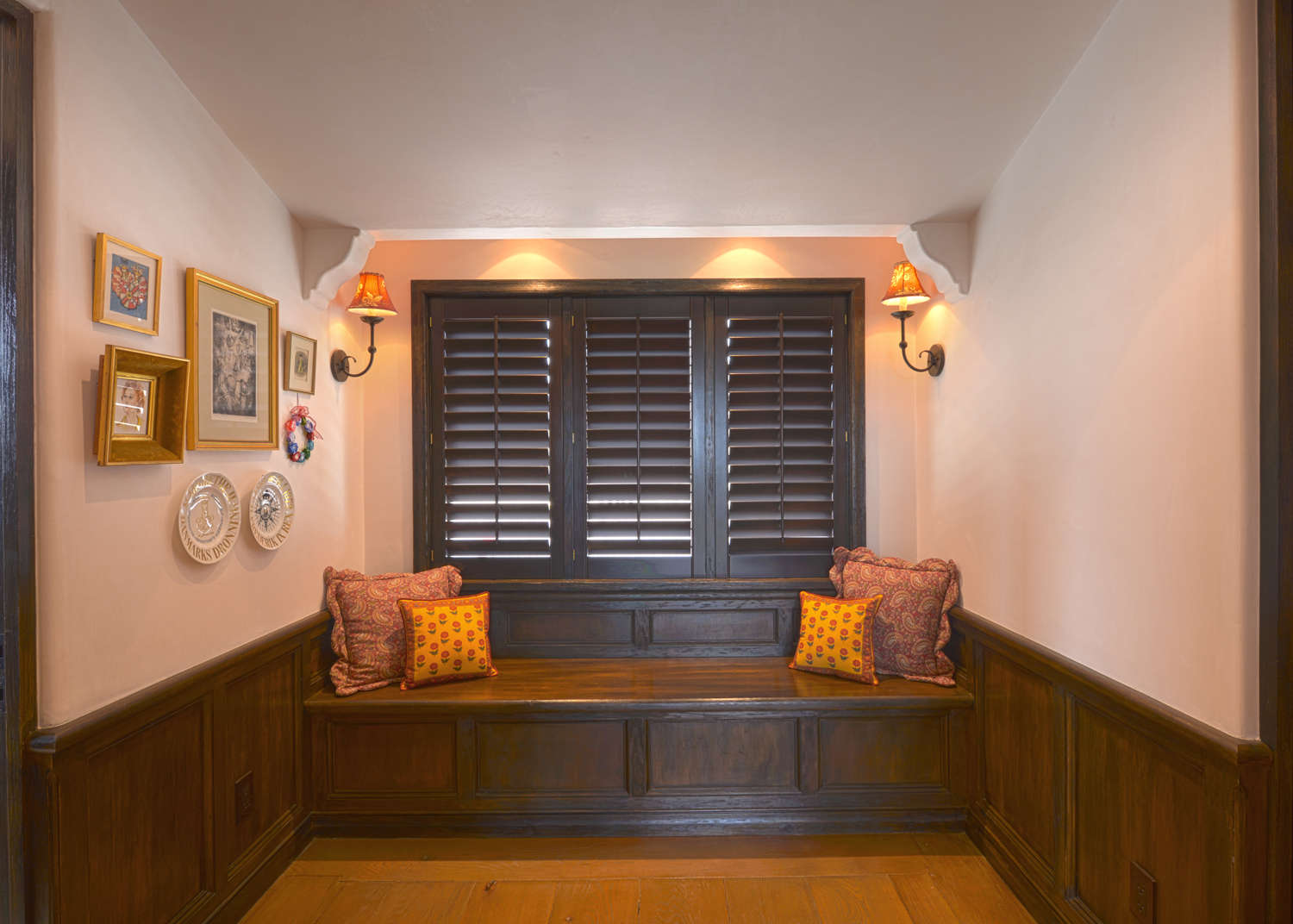Posey Residence - 9 Wood Panelled Niche and Bench.jpg