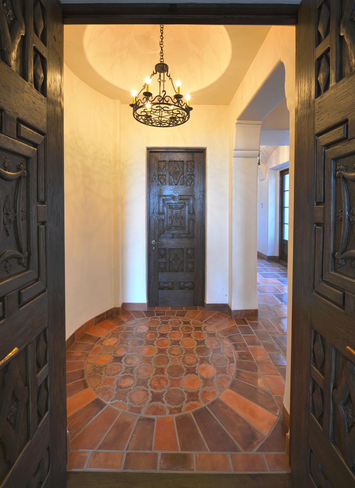 Bertelsen Residence 17 - Ante Room to Master Suite.jpg