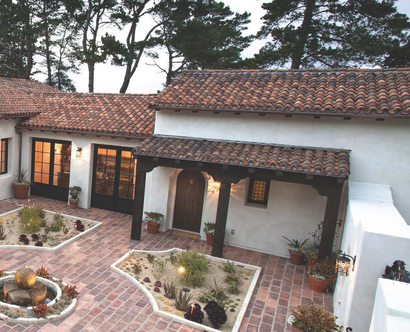 Bertelsen Residence 3 - Courtyard.jpg