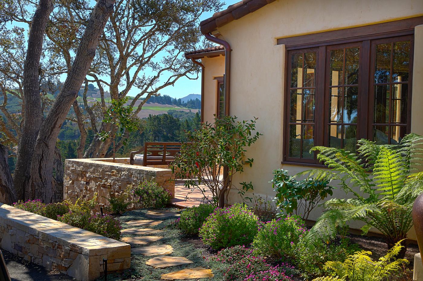 Lovett Residence 6 - Exterior.jpg