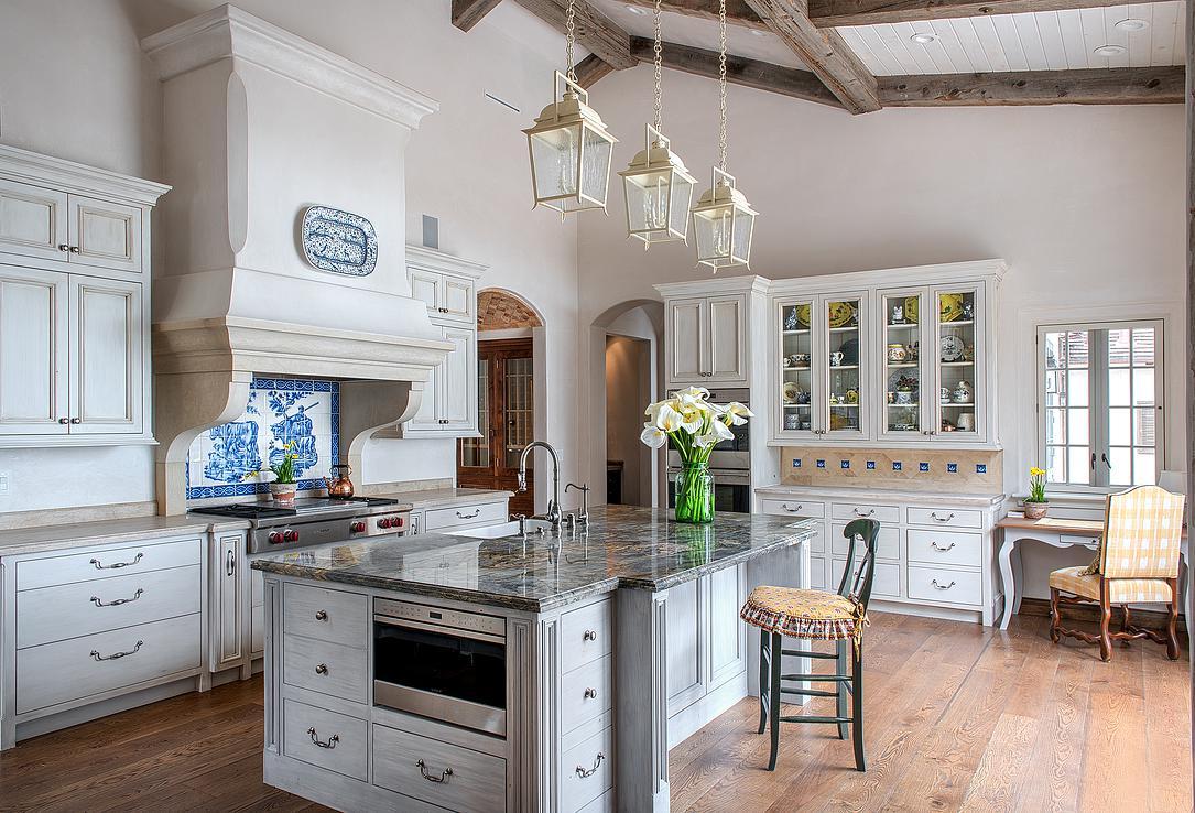 9 Smith Monterra Residence - Kitchen.jpg