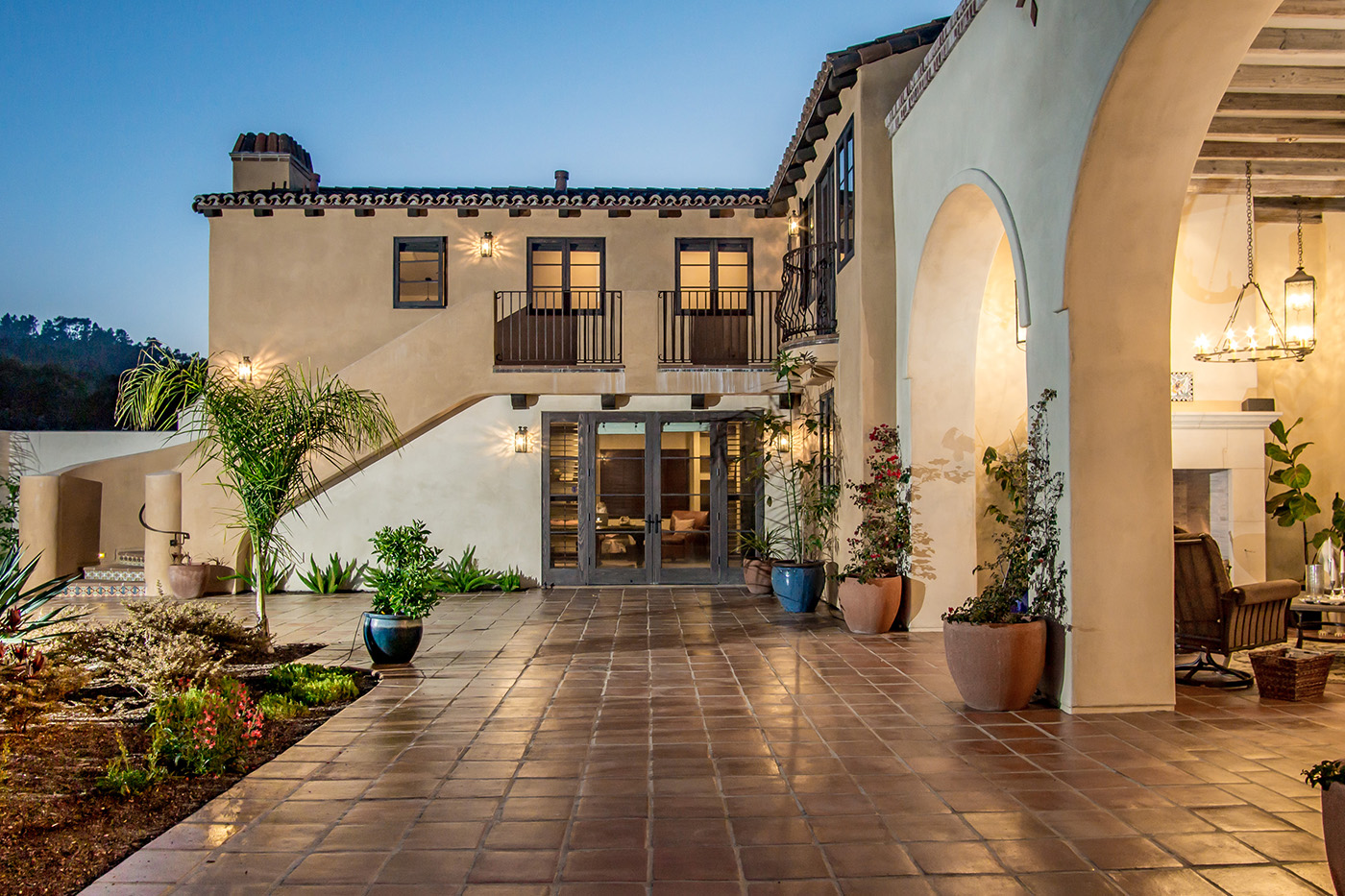 7 Kraft Residence - Courtyard.jpg