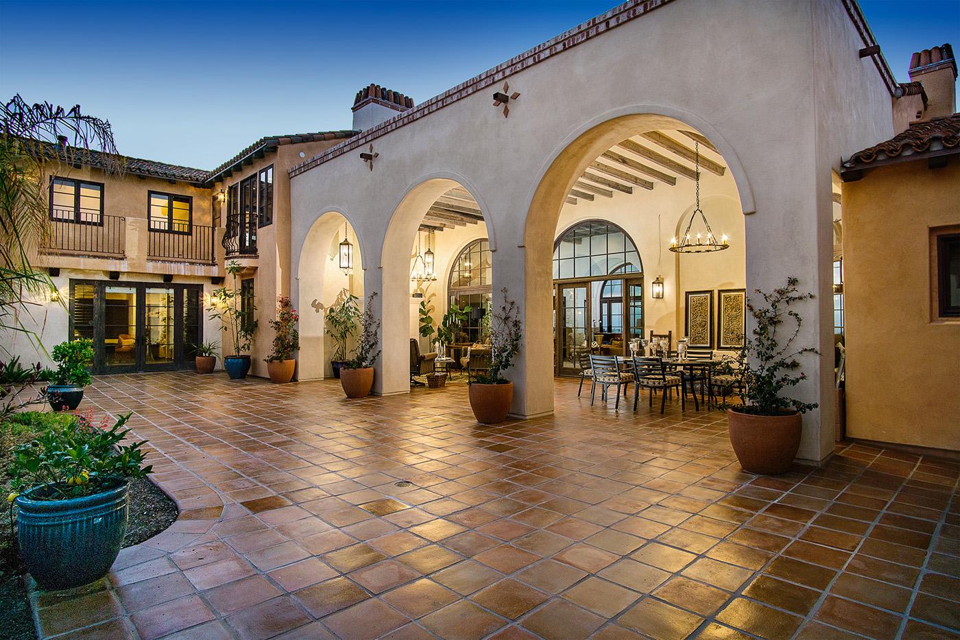 7a Kraft Residence - Courtyard.jpg