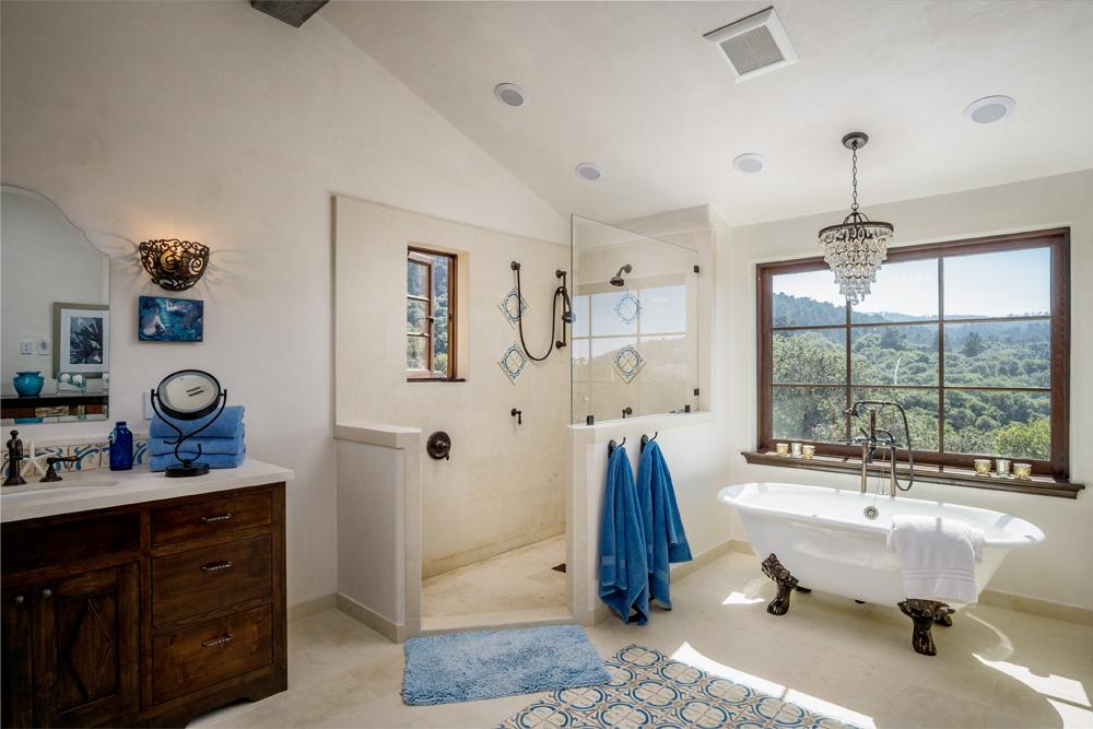 16 Kraft Residence - Master Bath.jpg