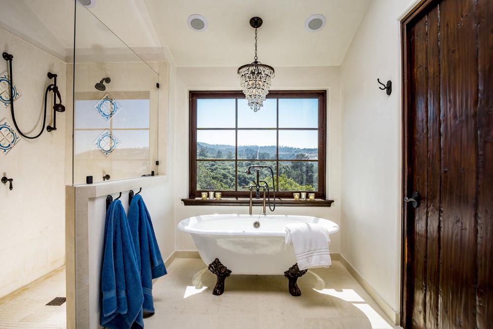 17 Kraft Residence - master bath with clawfoot tub.jpg