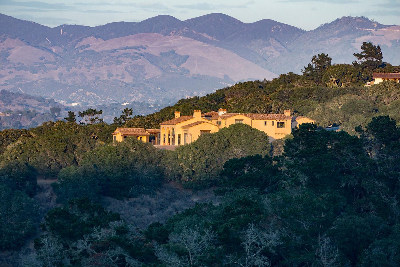 Kraft Residence - context-rolling hillsides of Monterra