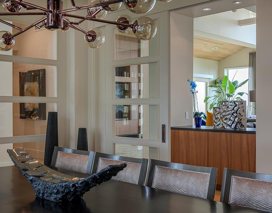 9 Bruggeman Residence - Dining.jpg