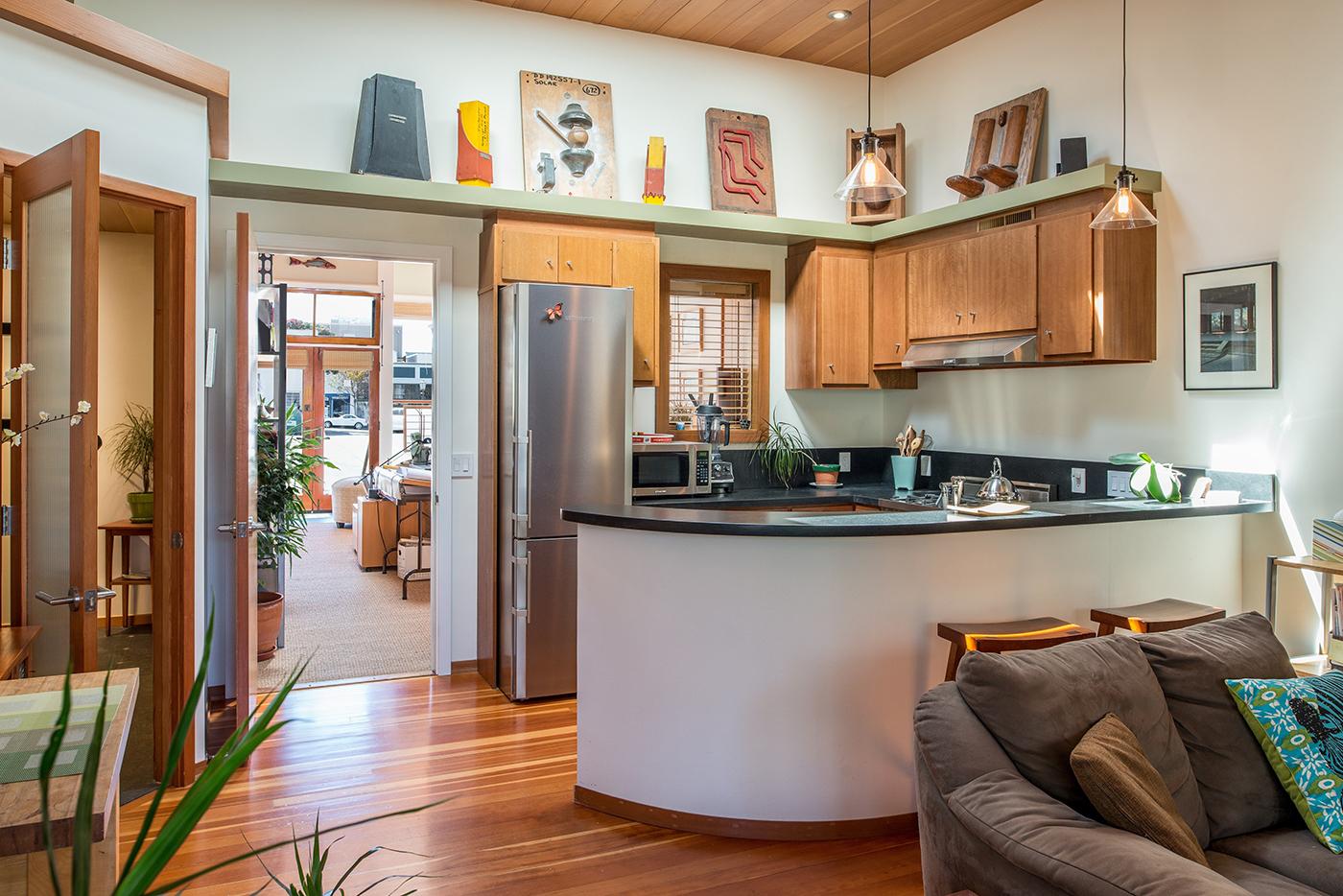 7-211-kitchen.jpg