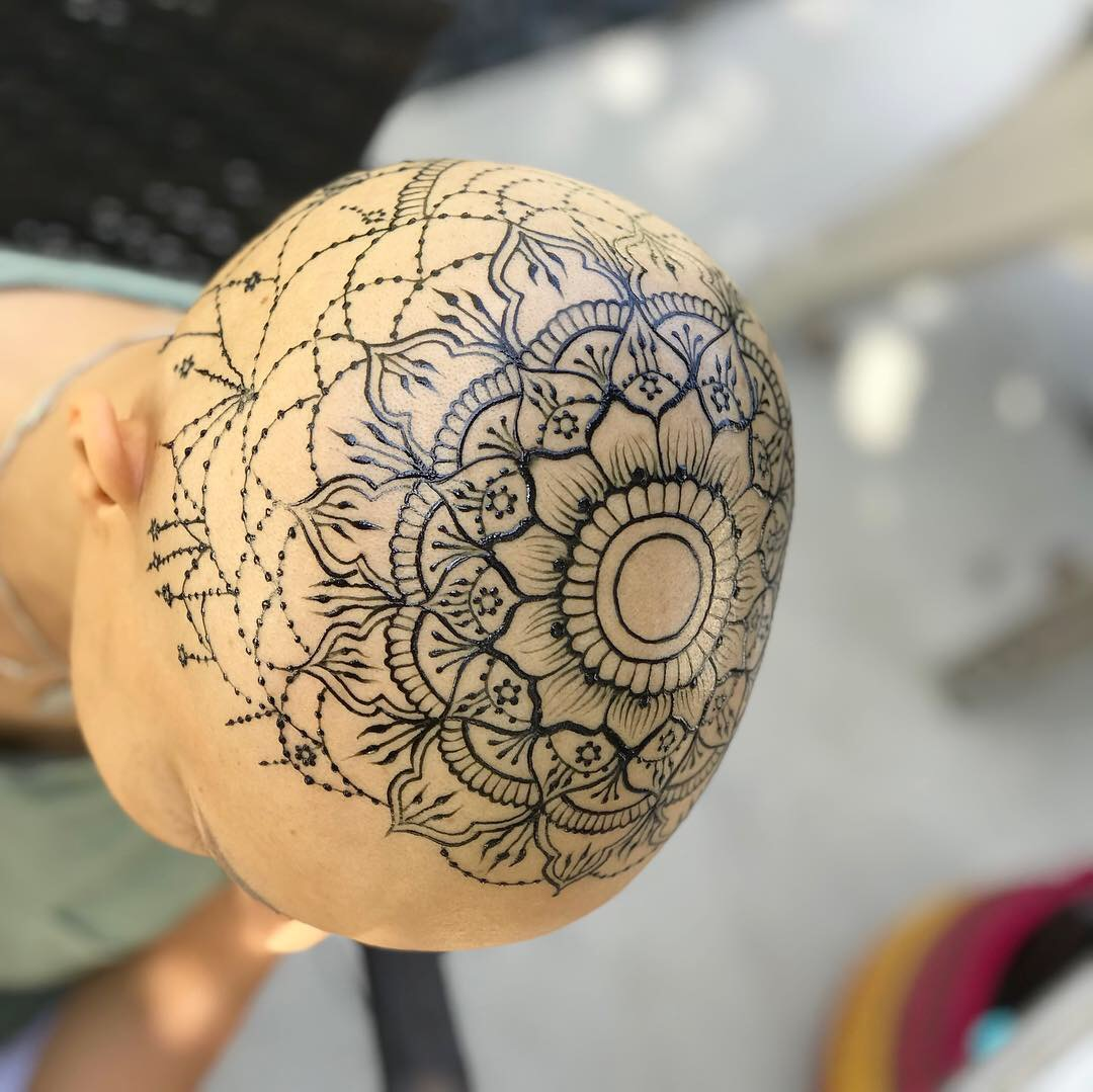 HENNA CROWNS - Henna Crowns are offered to women/ men who have experienced health concerns from hair loss/ surgery. Chemotherapy, Alopecia, ect. This is offered as a donation-based service.
