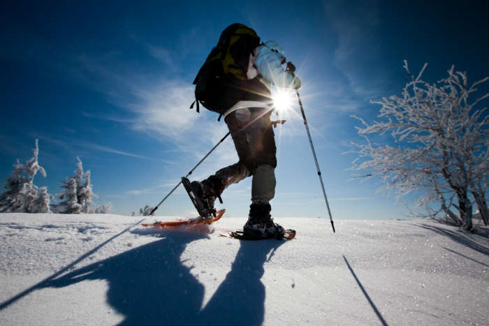 5-winter-activities-for-non-skiers-snowshoeing.jpg