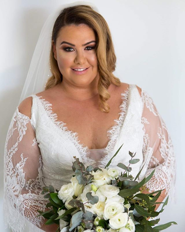 Our stunning bride Matilda 💕 #bridegoals #destinationweddings #hamiltonisland 💕 . . . #bridalbeauty #bridalmakeup #bridalmakeupartist #weddingmakeup #weddingmua #instabeauty #beauty #instamakeupartist #makeupsrtistaustralia #makeupartistscairns