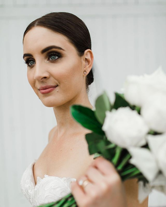 Beautiful bride Amy was such a dream to work with as well as her gorgeous group of bridesmaids 💕  Photography by @talialuanaphotography  #bridegoals #bridalbeauty #bridalmakeup #bridalmakeupartists #weddingmakeup #weddingmakeupartist #wedding #fnqwedding #makeupartistscairns #cairnsmakeupartists #makeupartistaustralia
