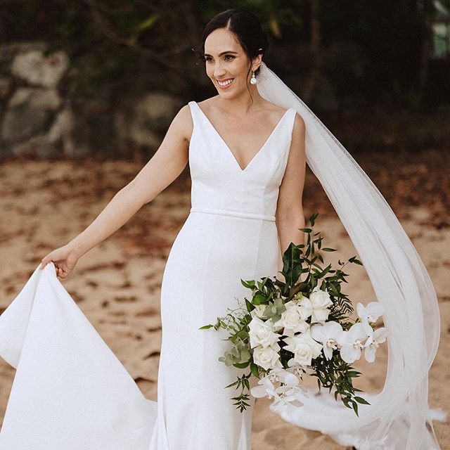 Beautiful bride Candice, a natural beauty 💖  Photography by @matthew_evans_photography . . . #makeupartistscairns #cairnsmakeupartists #bridalmakeup #bridalbeauty #weddingmakeup #weddingmua #makeupartistaustralia #bridegoals #bridal #beauty