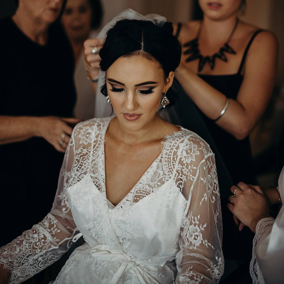 Makeup Artists Cairns - professional mobile wedding and event makeup - Abbee Hay - 4.jpg