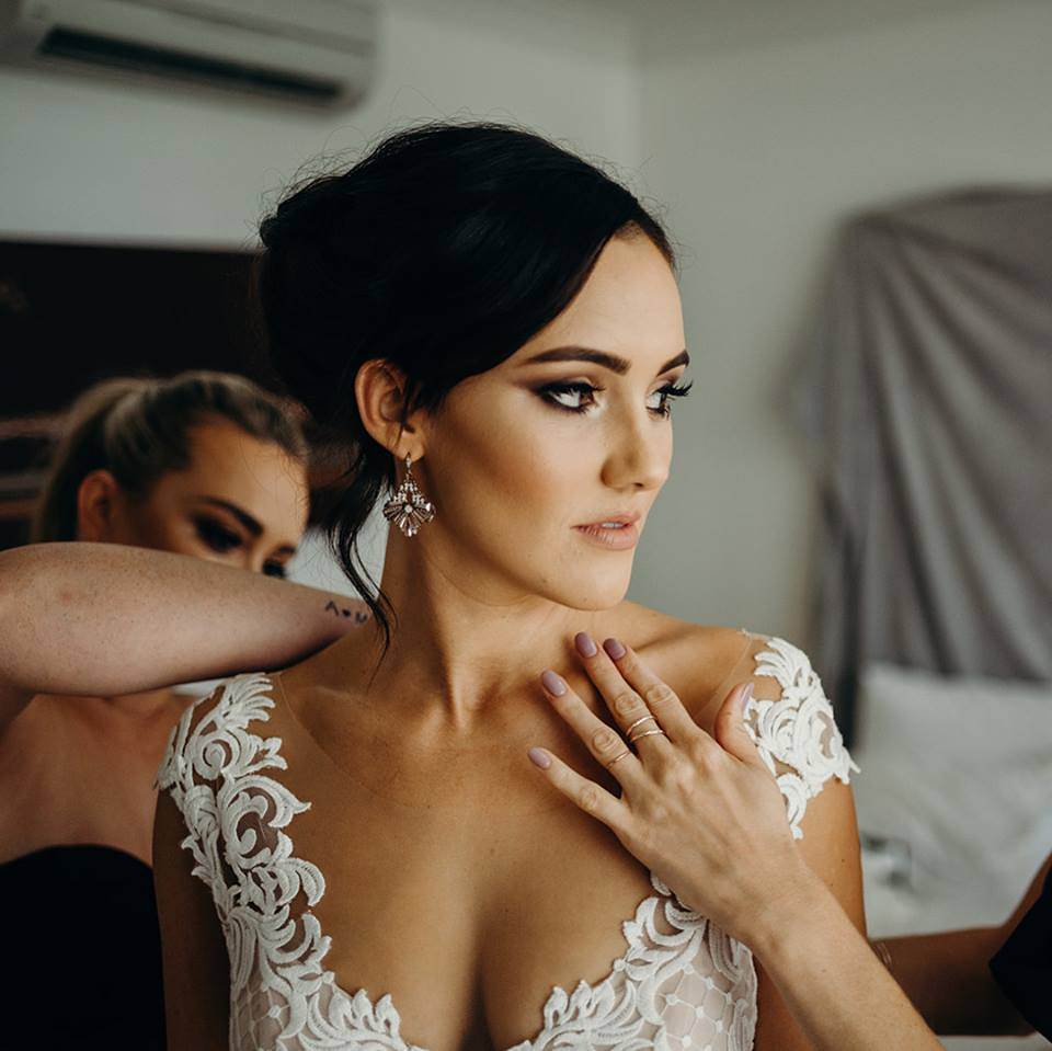 Makeup Artists Cairns - professional mobile wedding and event makeup - Abbee Hay -2.jpg