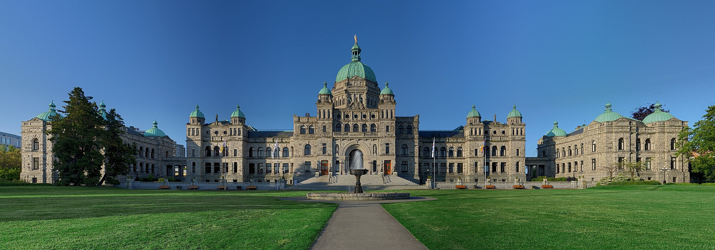 British_Columbia_Parliament_Buildings cropped.jpg