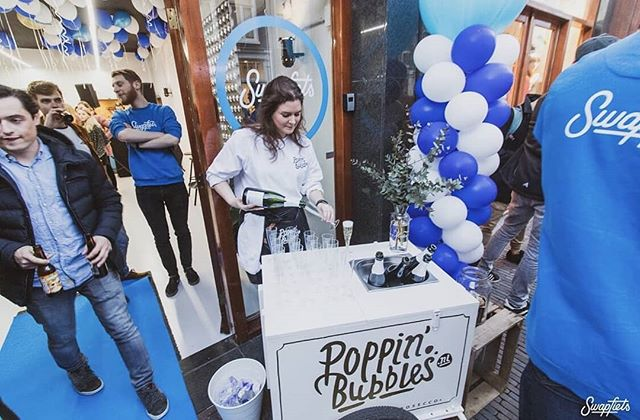 What's Poppin'🥂? #TBT naar de @swapfiets Oudkerkhof store opening van vorige week 💙, thanks for having us 💙!