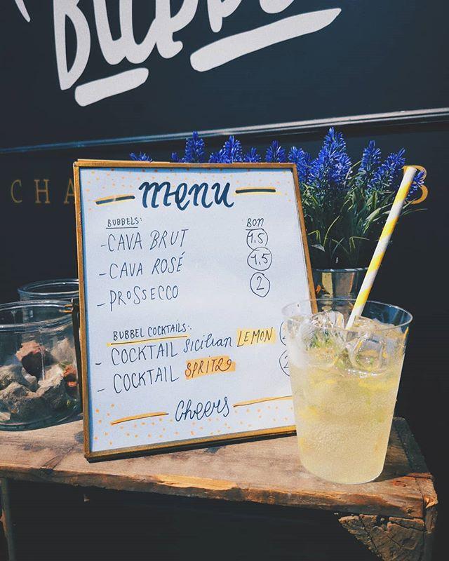 What's Poppin'🥂? Vandaag staan we in #VENLO en in #GRONINGEN! Ben je in de buurt van Venlo, kom dan een verfrissend glaaske halen bij @festivalspijs. Vanaf vandaag op het menu Sicilian 🍋 LEMON & SPRITZ 🍊 bubbel cocktails. Fresh! HAJE!