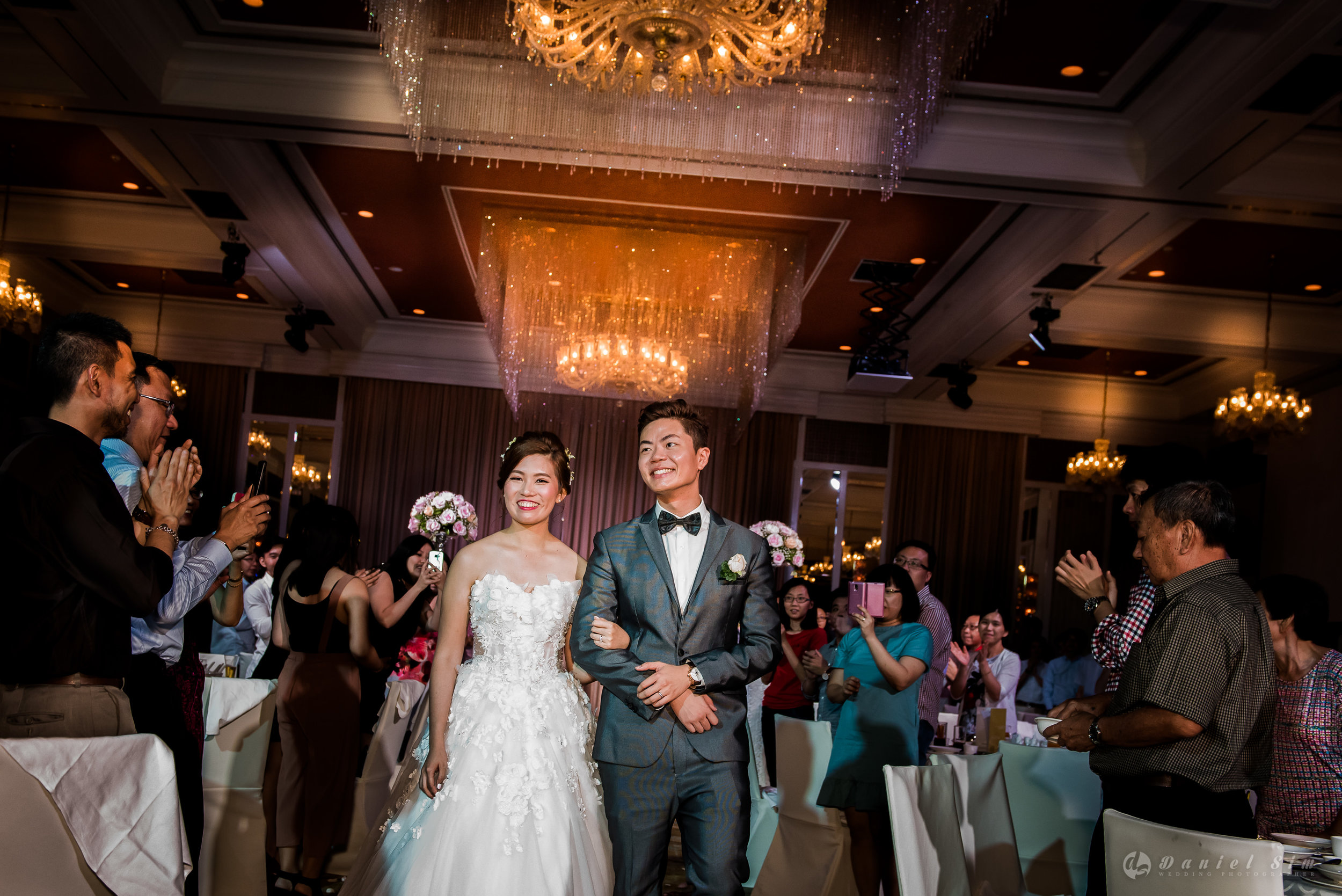 march-in-singapore-wedding-banquet-couple-smile.jpg