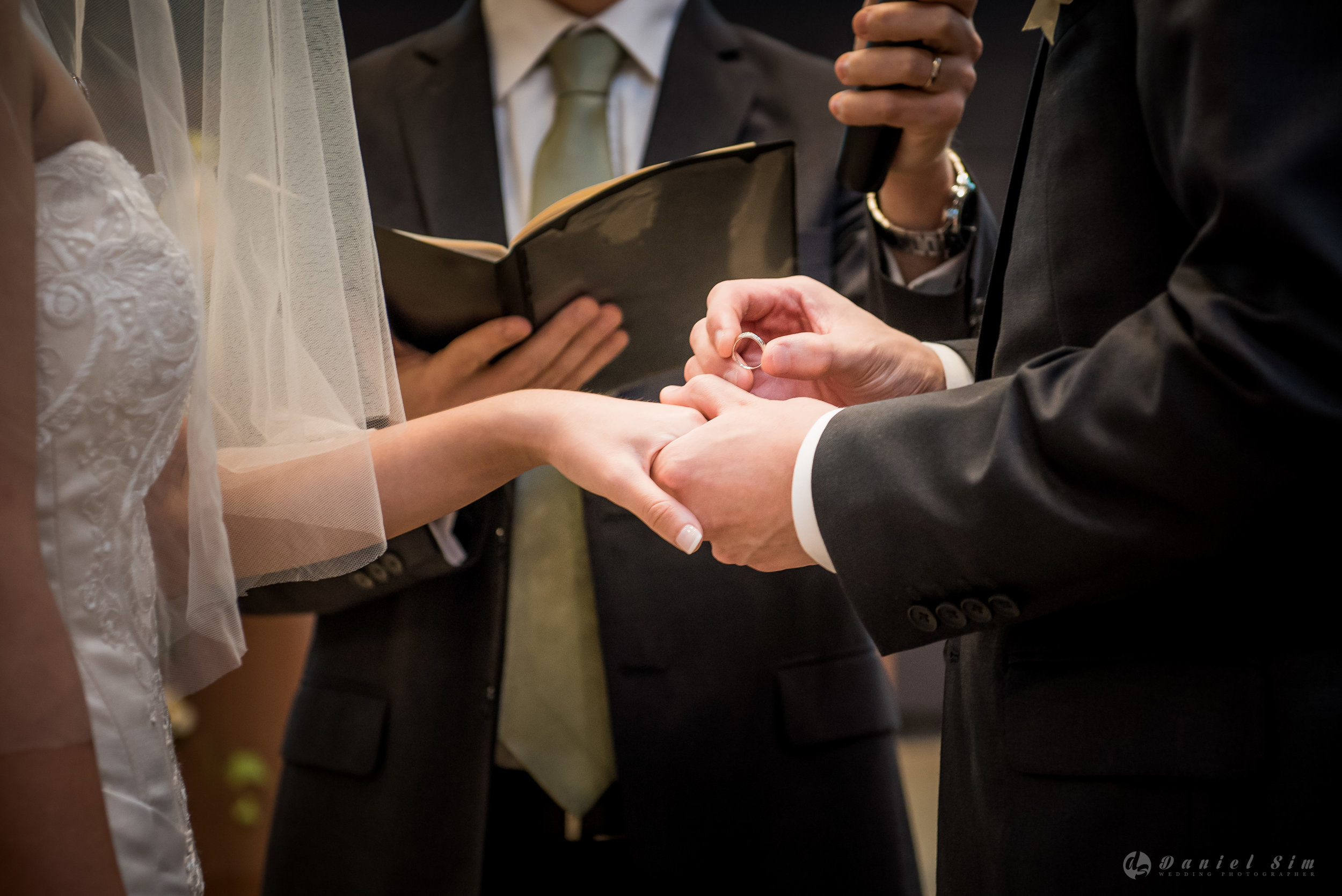 ring-hand-wedding-groom-bride-church-singapore.jpg
