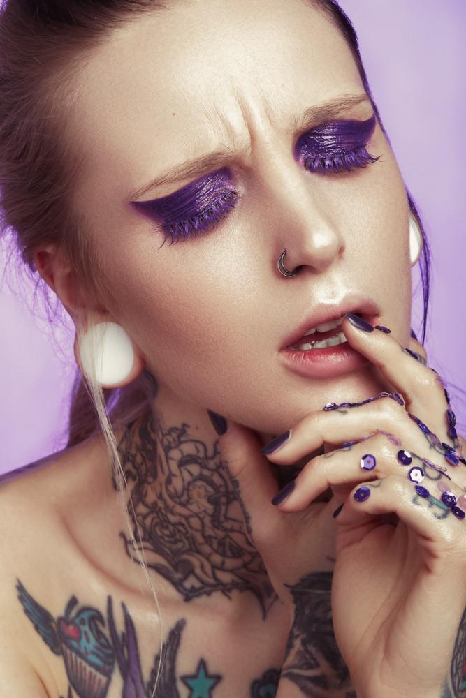 tineller-kerstin-brueller-metallized-makeup-graz-detail-ultra-violet-pixellicious-4-web.jpg