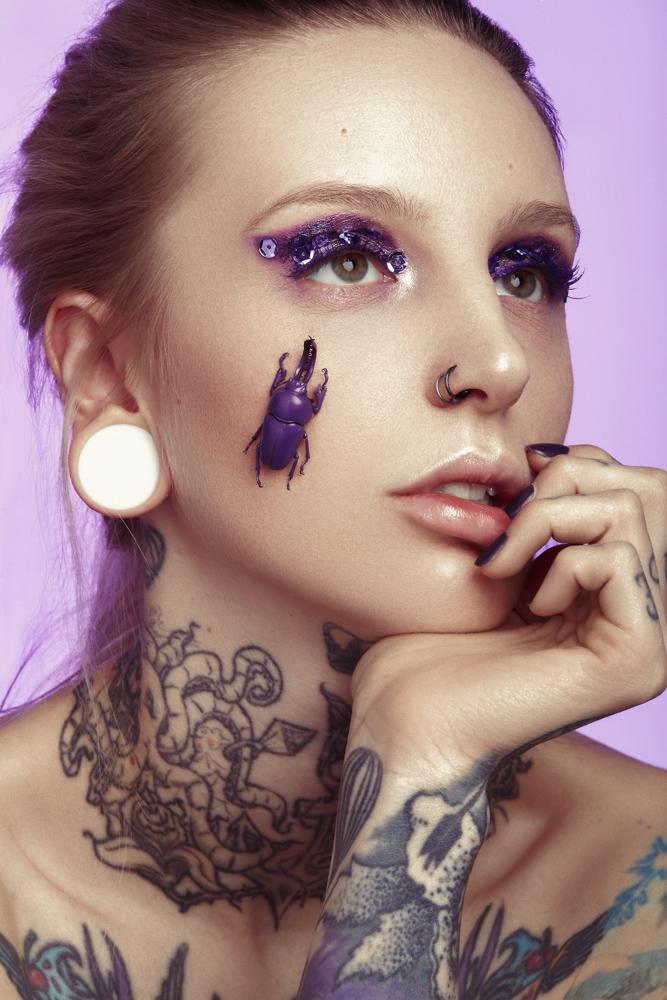 tineller-kerstin-brueller-metallized-makeup-graz-detail-ultra-violet-pixellicious-5-web.jpg