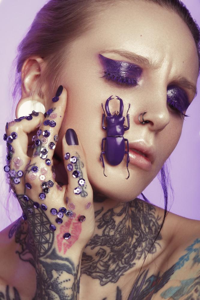 tineller-kerstin-brueller-metallized-makeup-graz-detail-ultra-violet-pixellicious-6-web.jpg
