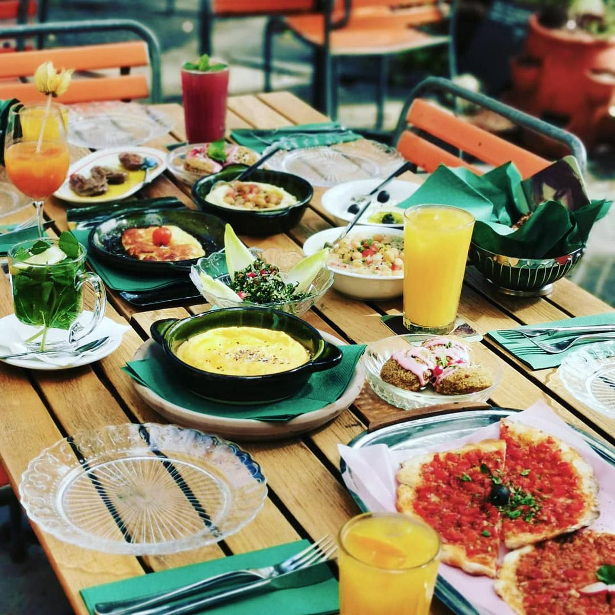 Freya_Zurich_Mezze_Dinner_Terrasse.jpg