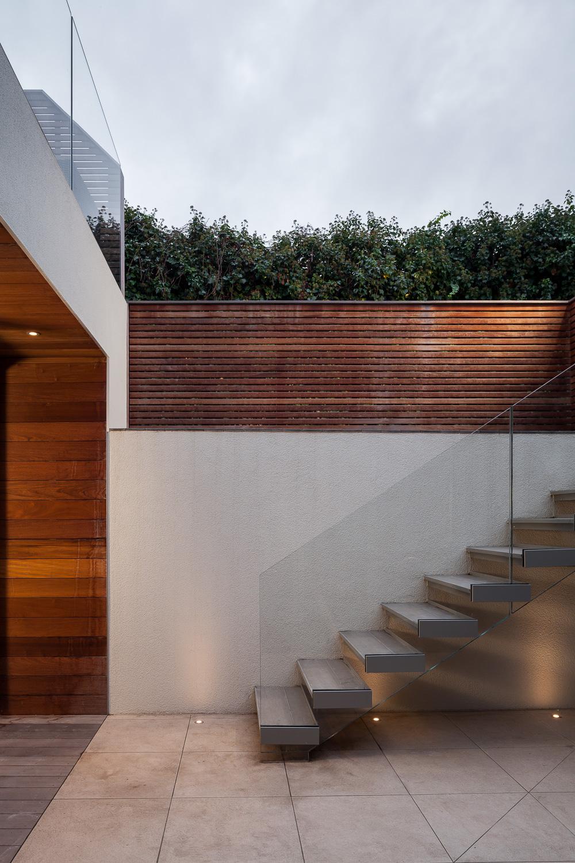 Edwardian Glass House - Sunken Courtyard