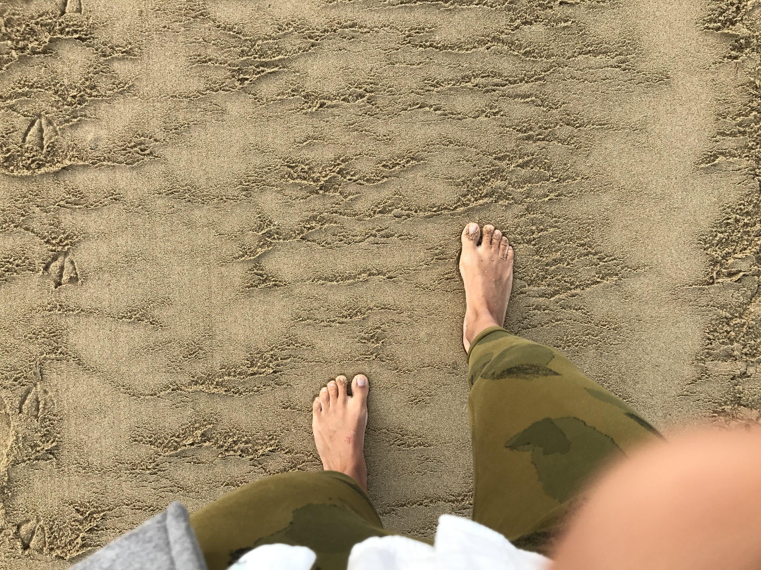 feet-banner-macadamyoga.JPG