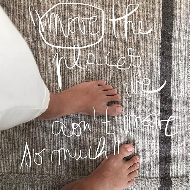 An other AHA moment, how to move out of our habitual patterns, nurture, wake up sleepy places thank you Brea @heartandbonesyoga and your second session webinar. What part don't you move so much? #move #movement #cellulardanceparty #heartandbonesyoga #yoga #macadamyogaexplore #macadamyogaconnect #nutritiousmovement #nurture #sustainableyoga #yogaasaquestion #selfinquiry #soma #somaticexperiencing #movewithlove #yogateacher #exploringyogaineverydaylife