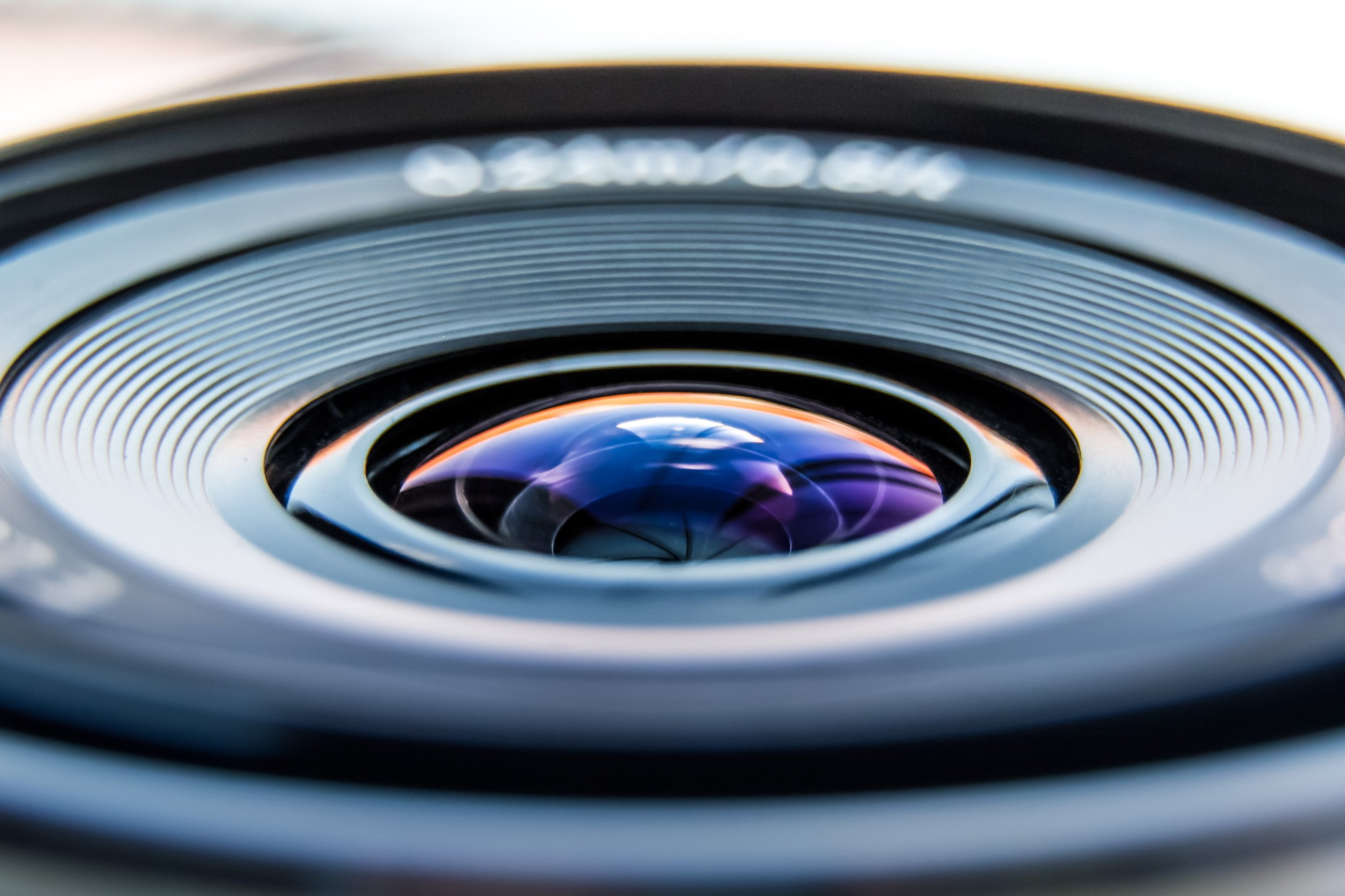 Differences Between Real Estate Photography and Commercial Photography