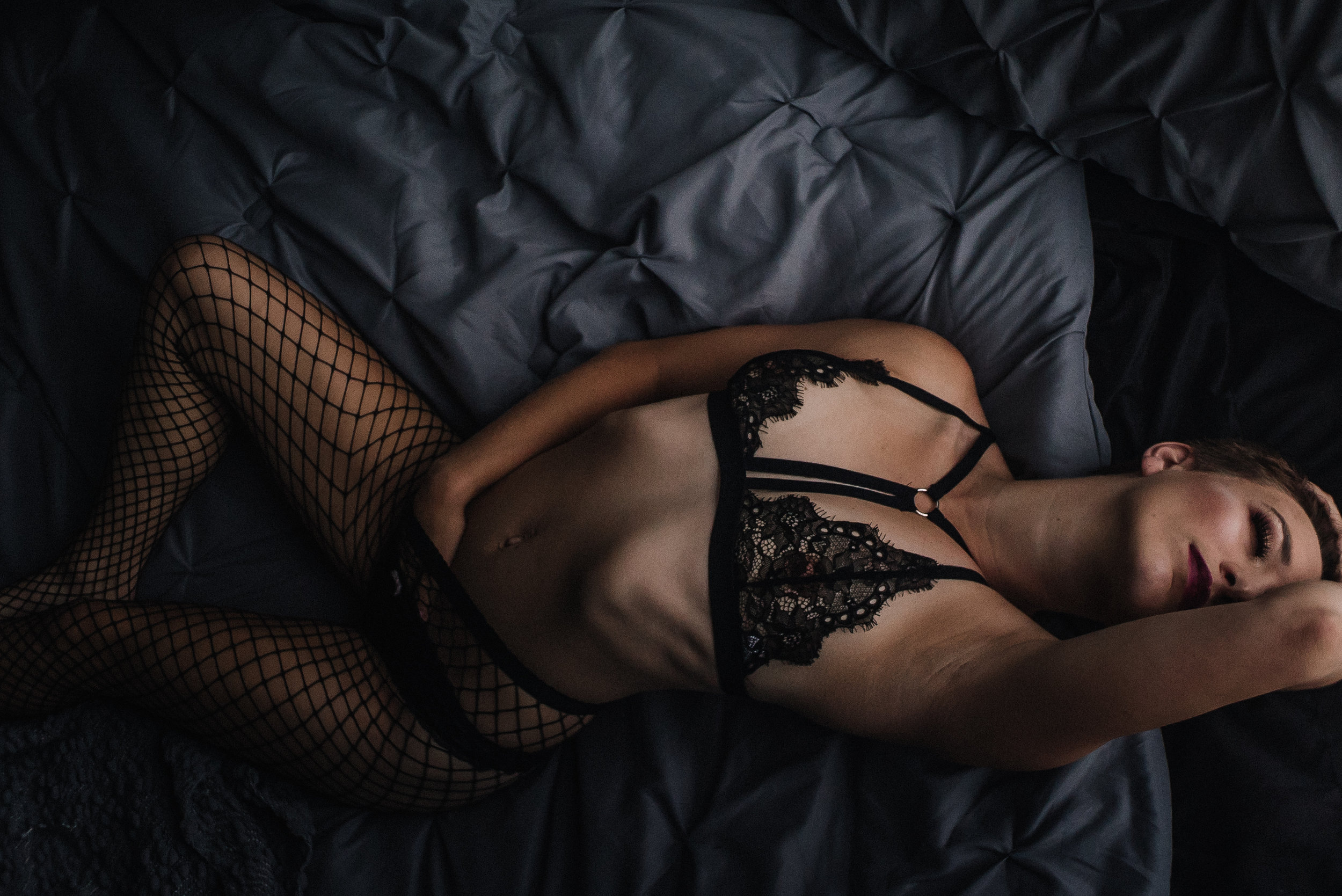 North Carolina Luxury Edgy Erotic Moody Boudoir Studio in Asheville Boone Lenoir Edenton Elizabeth city