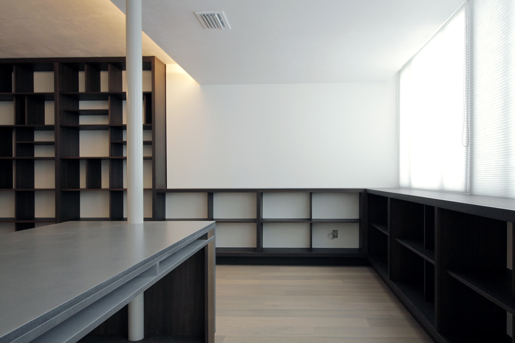 Hofer-Bookshelf-5-lowres.jpg