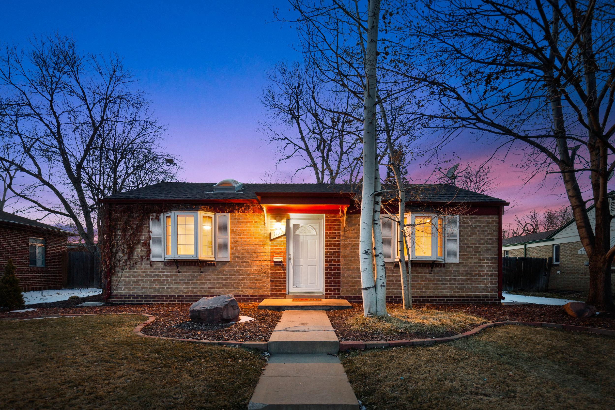 Sold - 1135 Poplar St3 bedrooms, 1.5 bathrooms$482,500