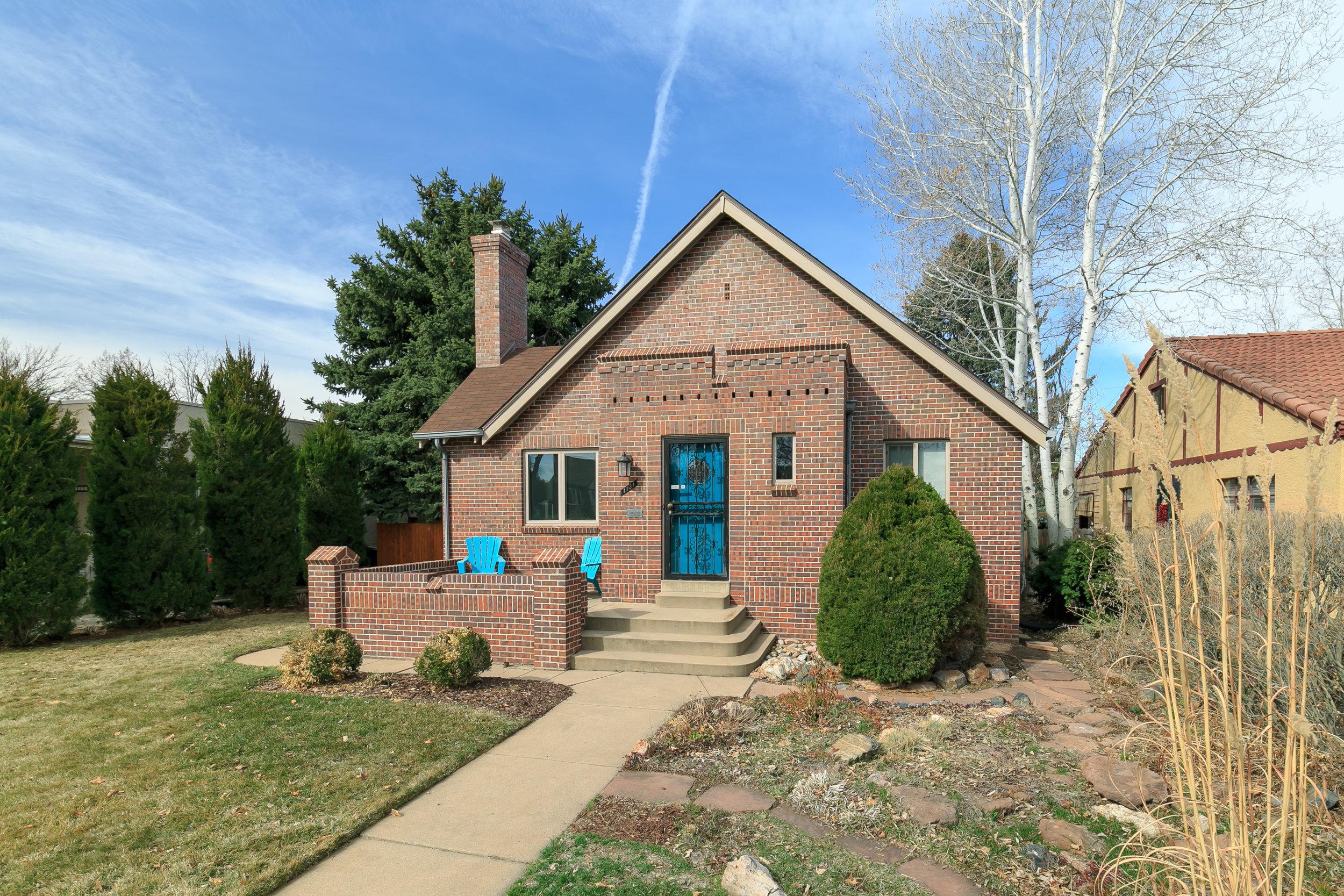 Sold - 1131 Hudson St, DenverMayfair neighborhood3 bedrooms, 2 bathrooms$640,000