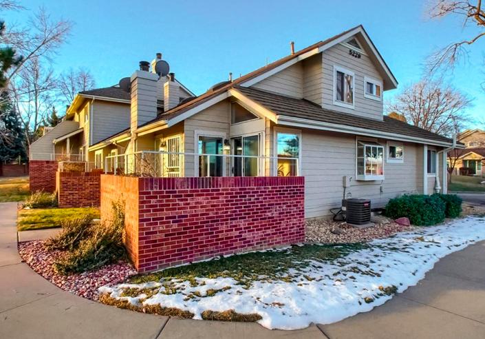 Sold - 5229 W Iliff St #101, Lakewood3 bedrooms, 2 bathrooms$320,000