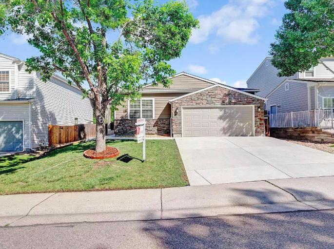 Sold - 13807 W Amherst Way, Lakewood3 bedrooms, 2 bathrooms$523,500
