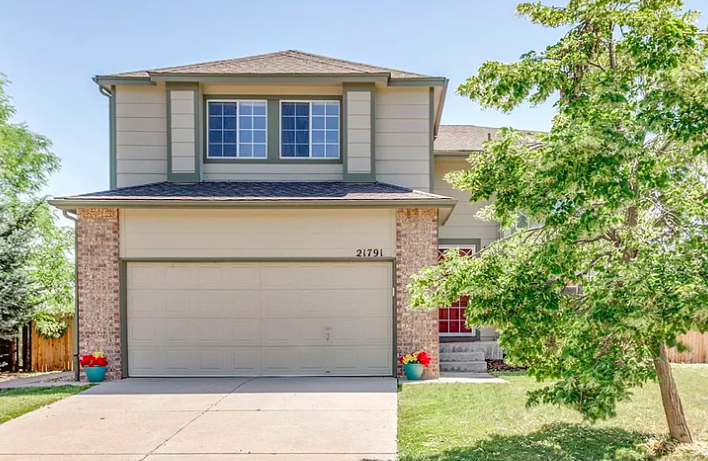 Sold - 21791 Omaha Ave, Parker3 bedrooms, 3 bathrooms$410,000