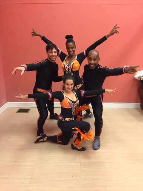 Mitlas Salsa Dancers