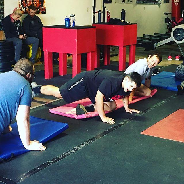 #ROMWOD #mobility #10minsofstretchandflex #swoleandflexy #crossfiryelm #yoga #yelm #gym #fitness#yelmwoddogs #crossfit
