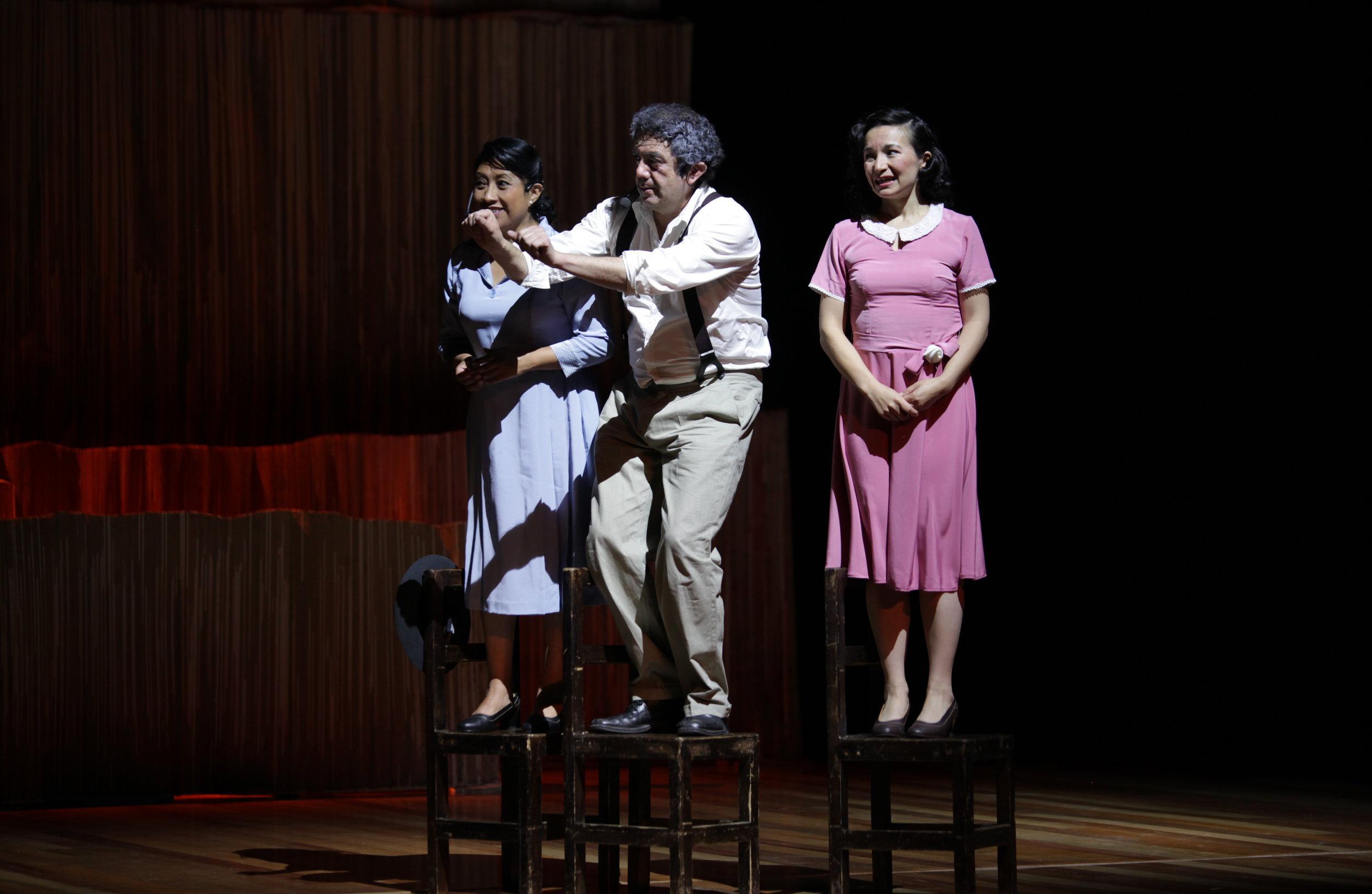 Ensayo. Lorena Rodriguez,Vinicio Romeros y SaloméVelasco.