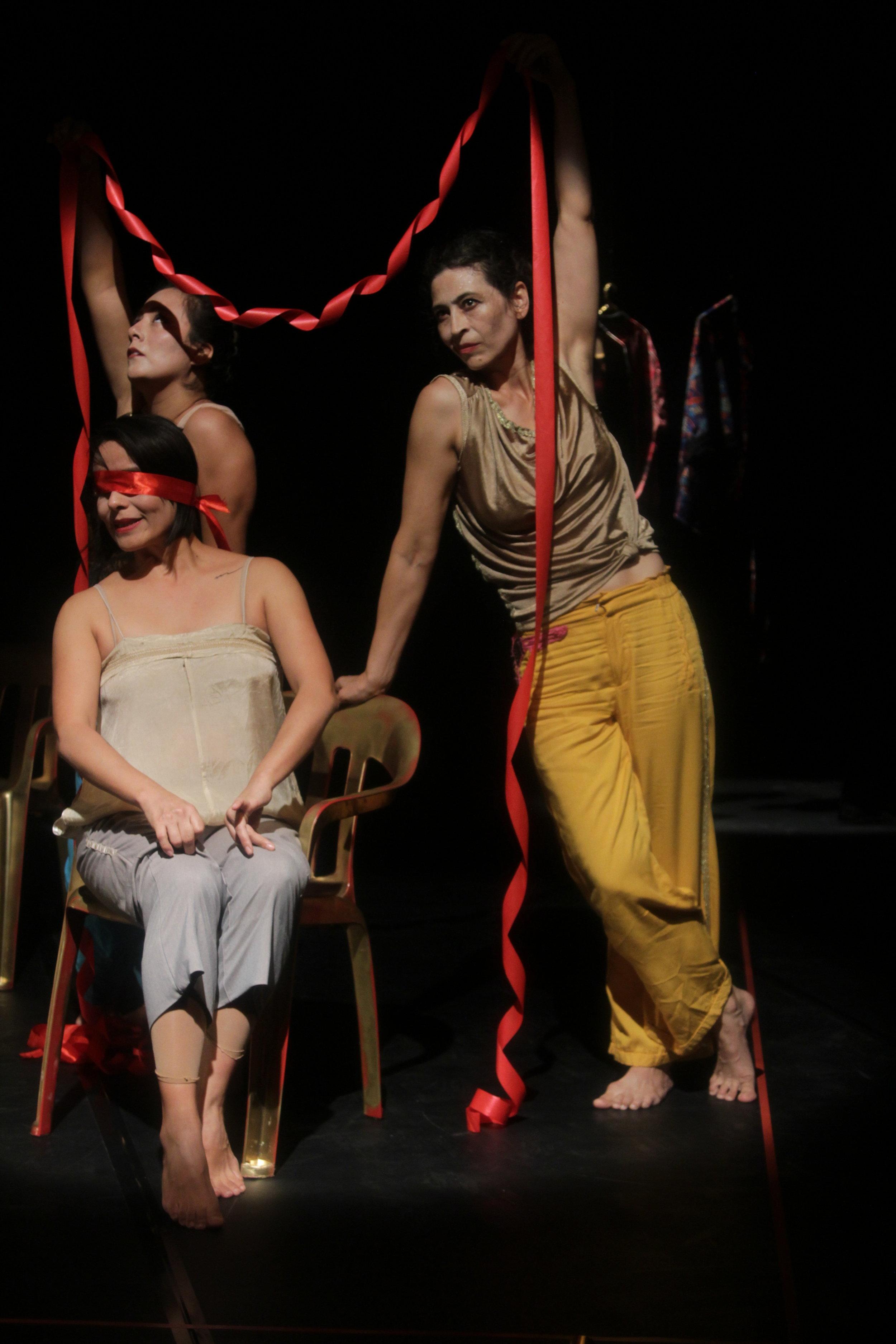 Talía Falconi / Lorena Delgado /Vanessa Pérez. Foto Silvia Echevarria el Apuntador