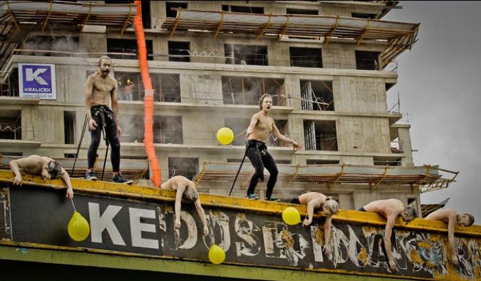 Acción Puente.  Foto: Marco Médici.
