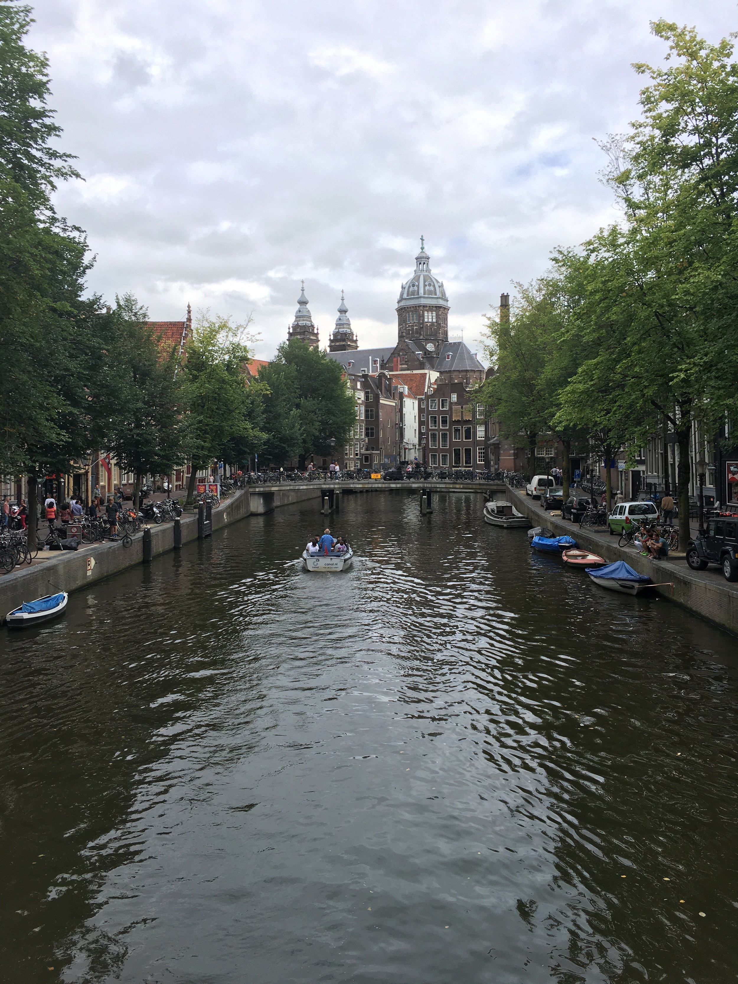 Such beautiful canals put to use! If only other countries would hop on this form of transportation!