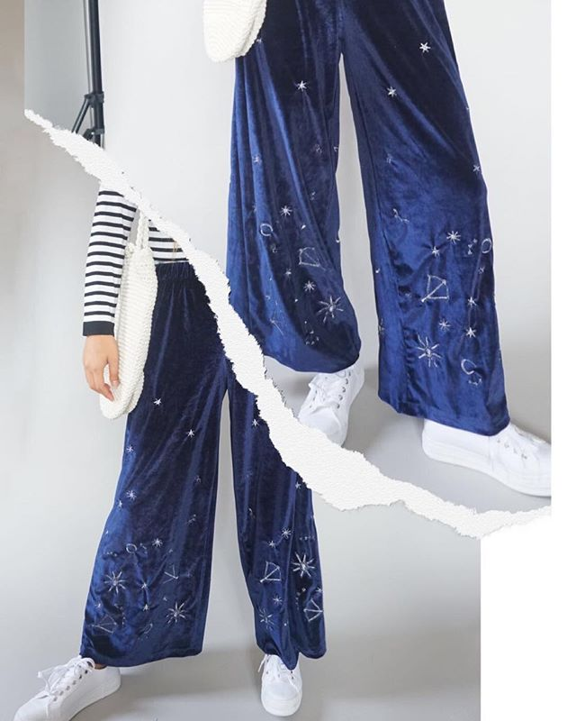 May these wizard pants give you strength to carry on this gloomy Monday afternoon🔮⚡️🧙🏻♀️😪 . . . #eastfenglondon #sendhelpplease #gloomymakesussleepy #onlynightnoday #sunseeyouinapril #coldaf #wizardpants #velvetpants #culottes #straightlegtrousers #onlineboutique #chrismaswishlist