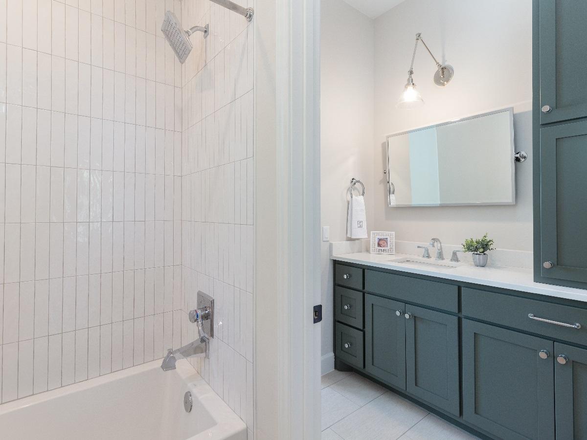 201_GVW_guest_bathroom_2.jpg