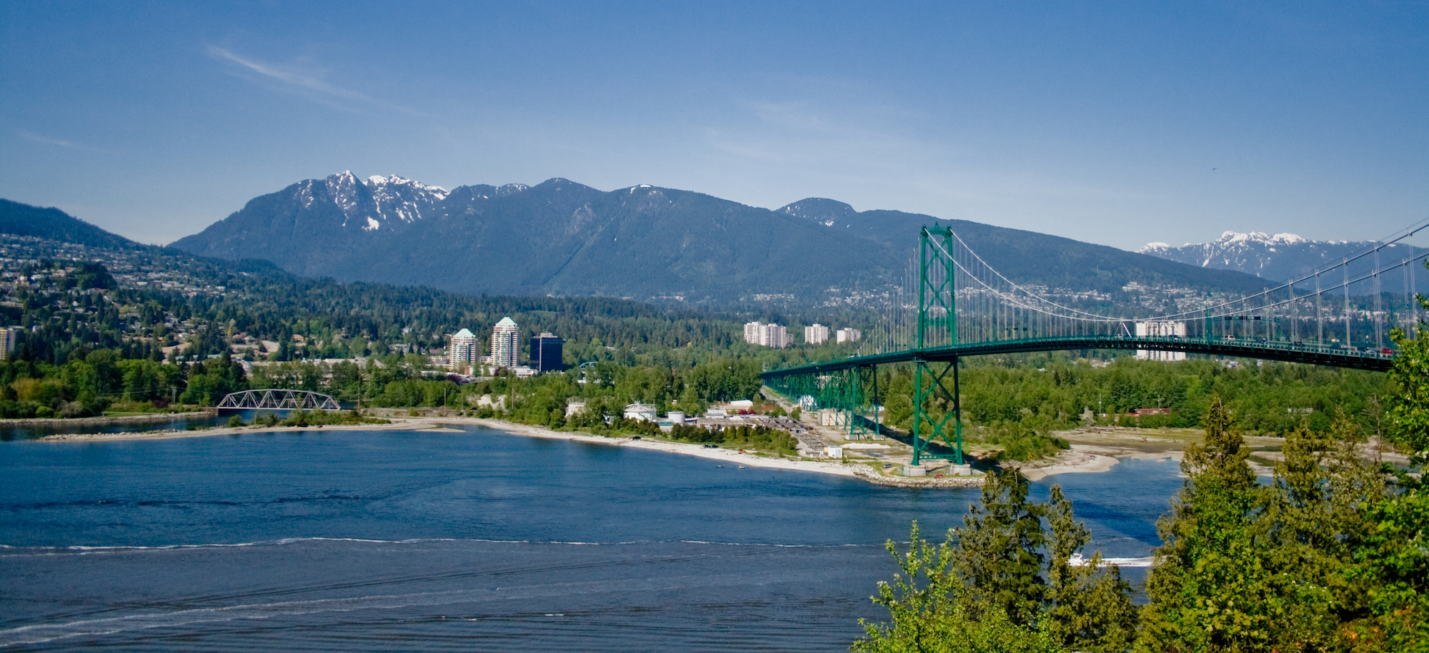 North_Vancouver_and_Lions_Gate_Bridge.jpg